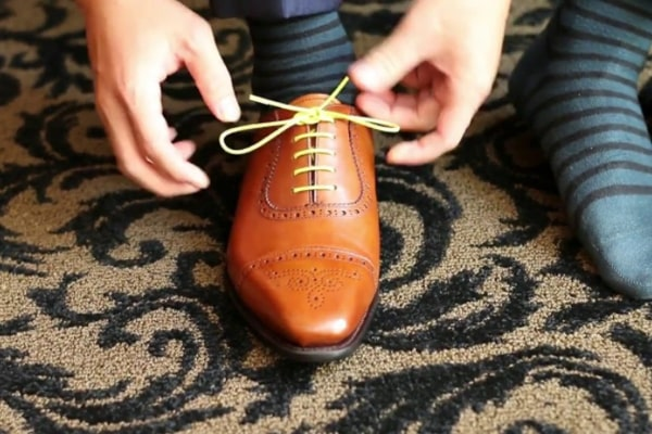 What Are Dress Shoes? How To Tie Dress Shoes Properly? 2
