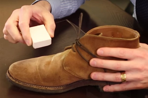 How to clean suede New Balance shoes use Suede erasers