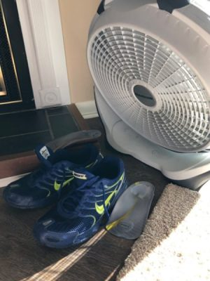 6 simple hacks on how to dry shoes fast after washing them - Pros and Cons 8